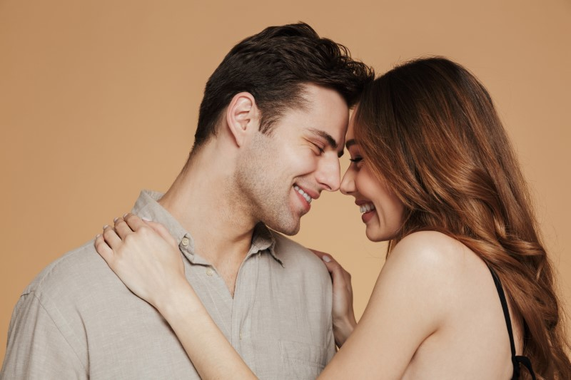 stunning couple found love on dating sites